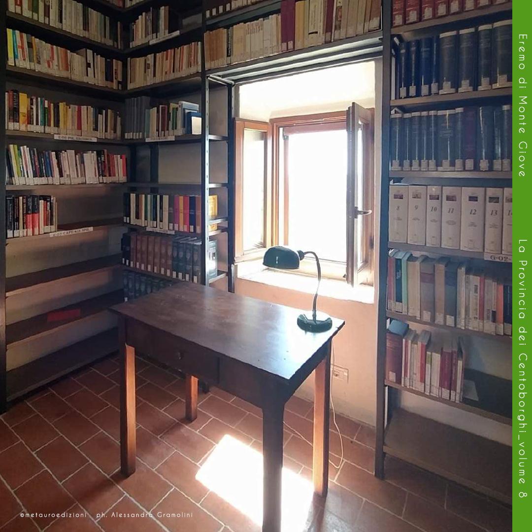 Biblioteca-Sala-Moderna_Monte-Giove